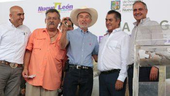 Honra Estado a Don Arturo de la Garza González