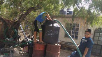 Pipas con agua potable atienden llamado de ciudadanos