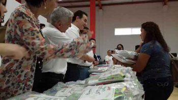 Entrega municipio de Monterrey útiles escolares a 75 mil estudiantes