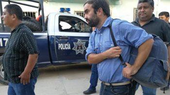 Damnificados liberan a español que los timó con reconstrucción