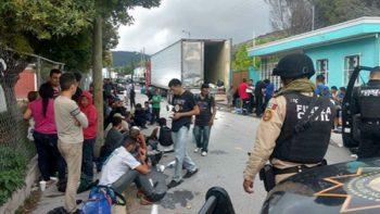 Rescatan a 161 indocumentados en Nuevo León; detienen a dos