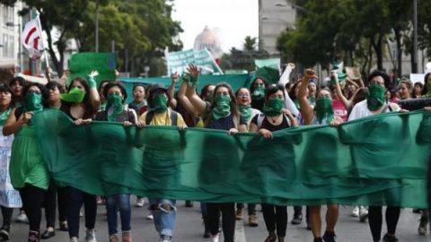 'Marea verde' a favor del aborto llega a la CDMX