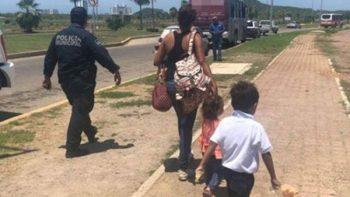 'Por las prisas', madre olvida a su hijo de 4 años en el transporte