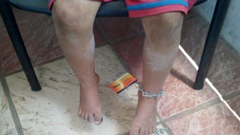 Rescatan a dos niñas golpeadas y encadenadas en Aguascalientes