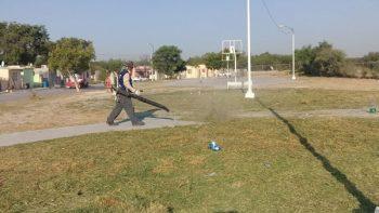 Limpian cuadrillas plaza del fraccionamiento San Pedro