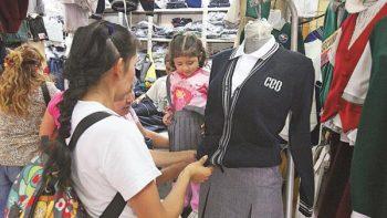 Cada año se desperdician 270 toneladas de uniformes escolares