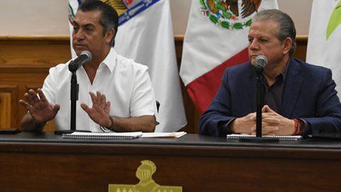 Aplaza 'El Bronco' aumento a tarifas de transporte