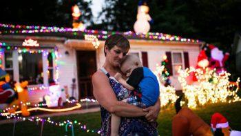 Adelantan la Navidad para Brody, un niño de dos años con cáncer terminal