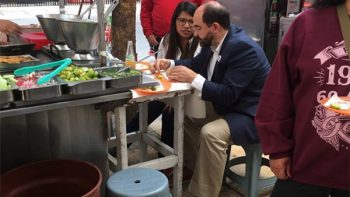 Como ya no les pagan comidas, Senadores 'atacan' taquería