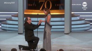 '¿Te casarías conmigo?', la propuesta que impactó en los Emmy 2018