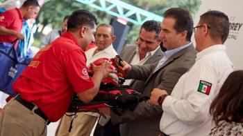Entrega Alcalde de Monterrey Equipamiento a Protección Civil