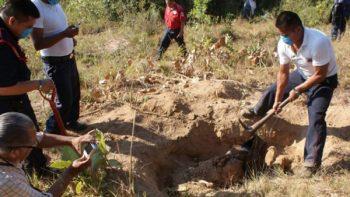 Encuentran 19 cuerpos en fosas clandestinas