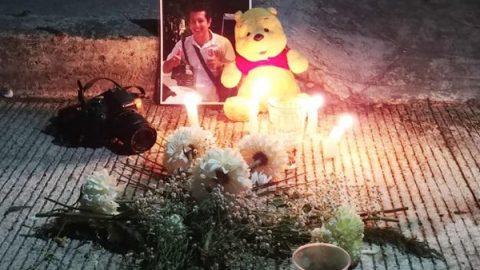 'Es inocente', dice esposa de policía acusado de matar a fotógrafo