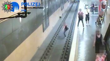 Arroja a una persona a las vías del metro por tener un 'mal día' (VIDEO)