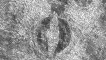 Descubren restos de barco vikingo en un cementerio