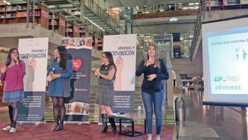 Ser mujer o indígena joven aumenta la discriminación
