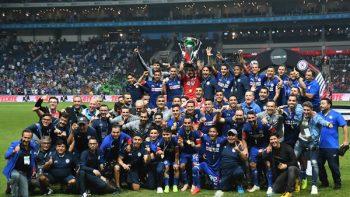 Rayados la 'cruzazulea'; la Máquina campeón de la Copa MX