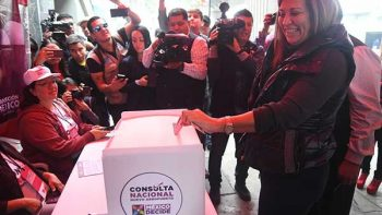 Judith Díaz vota por Santa Lucía en Consulta Nacional