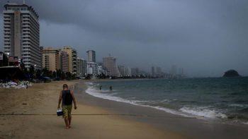 Depresión tropical 22-E generará tormentas en Michoacán y Guerrero