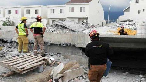 Rescatan a sobreviviente de derrumbe en Monterrey