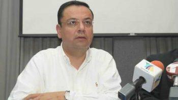 Respetamos a quienes se atienden en hospitales privados: Martínez