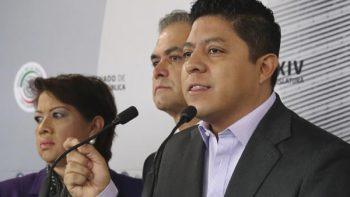 Ilegal, consulta sobre el nuevo aeropuerto: coordinador del PRD