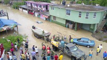 Sedena ejecuta Plan DN-III por desbordamiento de arroyo en Veracruz
