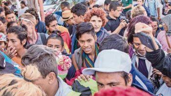 Migrantes de comunidad gay dividen opiniones en Tijuana