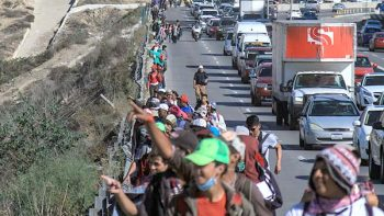 Sale de Tapachula nueva caravana de migrantes rumbo a EU