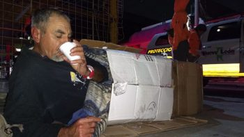 Protección Civil NL apoya a personas en situación de calle por frío