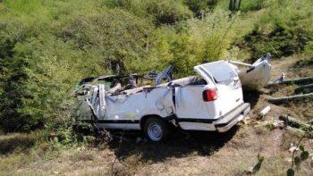 Mueren 5 en accidente automovilístico en Michoacán; hay 11 lesionados