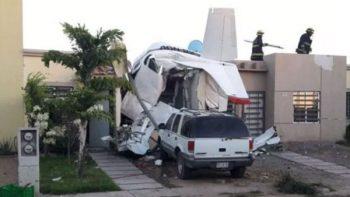 Avioneta se desploma sobre casa en Culiacán