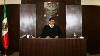 Juez que realiza divorcios colectivos en Nuevo León