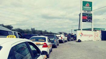 Tardan hasta 4 horas para cargar gasolina en Reynosa