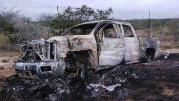 Hallan 5 camionetas y 19 cuerpos incinerados en Tamaulipas