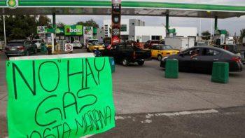 Compras de pánico en Jalisco mantienen cerradas 85% de gasolineras