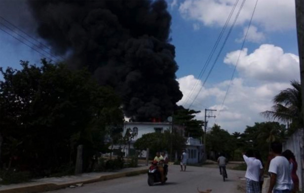 Explota bodega en Tabasco; guardaba combustible de manera clandestina