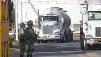 Ejército toma control total de la seguridad en instalaciones de Pemex