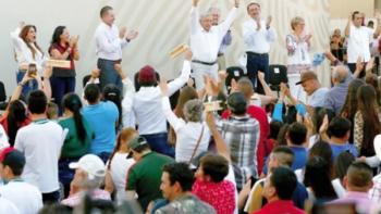López Obrador visita tierra de 'El Chapo'