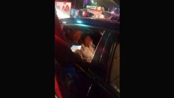 Detienen a hombre de la tercera edad por disparar contra dos policías