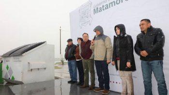 Frío y lluvia no detienen al alcalde Mario López