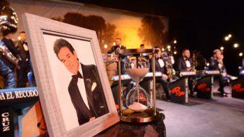 Banda El Recodo revive su homenaje a José José