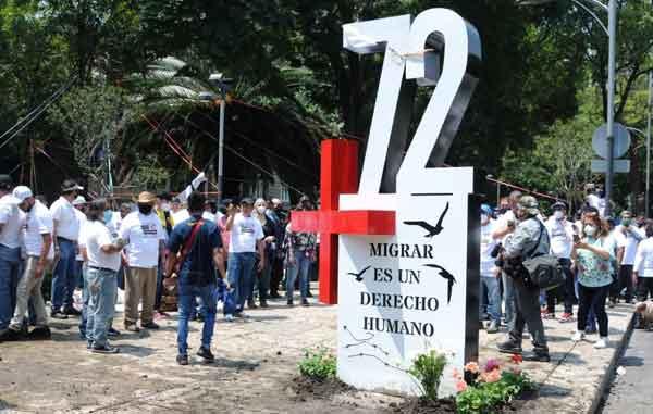Erigen antimonumento por los 72 migrantes asesinados en San Fernando